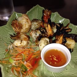 Grilled prawns on fire.. Yummerz!! Eat…