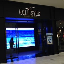 Hollister clothing store locations