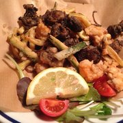 Osteria Alla Staffa - Fried baby cuttlefish and shrimp. - Venezia, Italien
