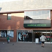 Marks & Spencer, Carmarthen
