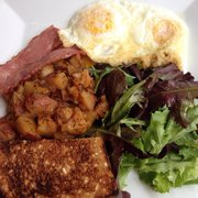 Sugar Cafe - Two eggs your way: over easy eggs, duck bacon, potatoes, toast & salad - San Francisco, CA, Vereinigte Staaten