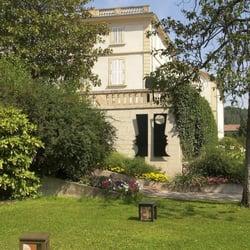 Musée PAB - Alès, Gard, France. Le musée-bibliothèque PAB vu du parc