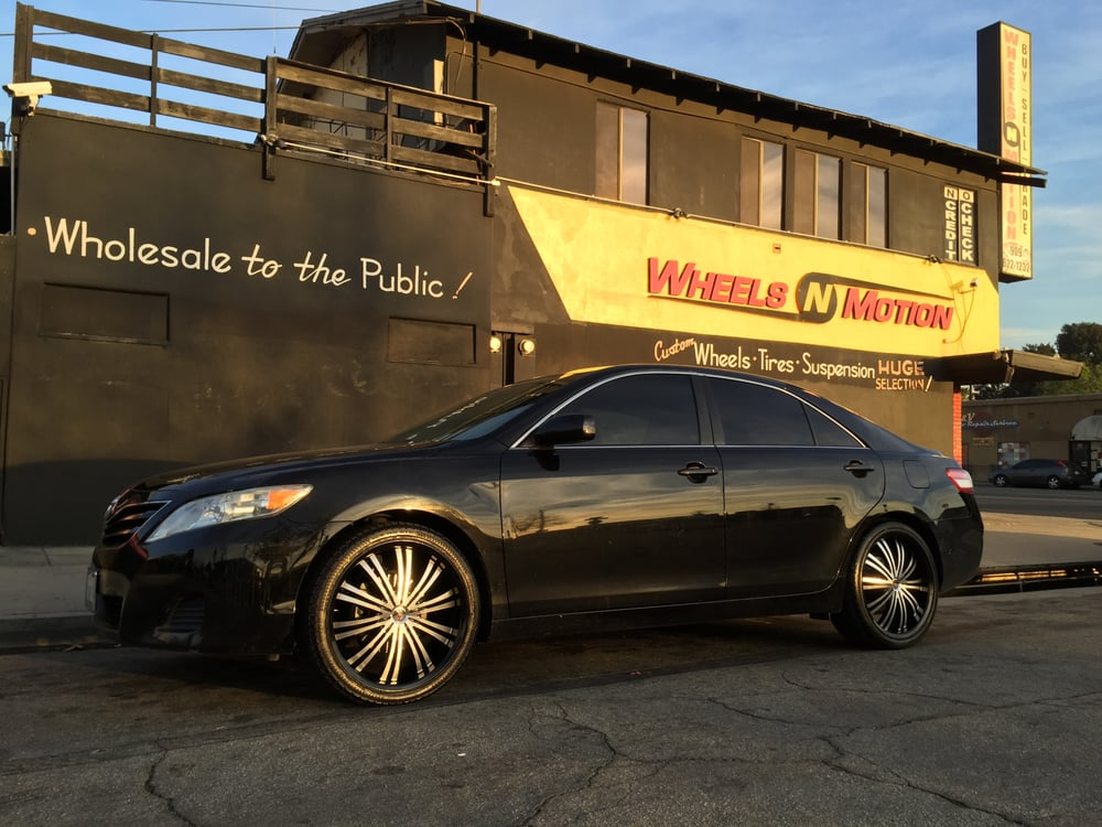 2011 Toyota Camry Wheels 2011 Toyota Camry on 20