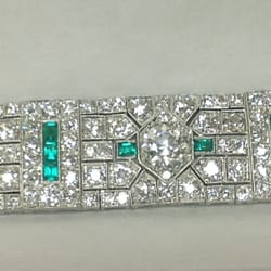Paramito & Son Jewelers - Paramito & Son 30 carate diamond, emerald Art Deco estate bracelet. We are a buyer and seller of estate jewelry and diamonds. - Cherry Hill, NJ, Vereinigte Staaten
