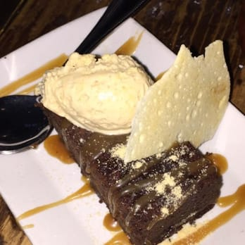 ... Warm Chocolate Brownie topped with beer ice cream and caramel.. Mmmm