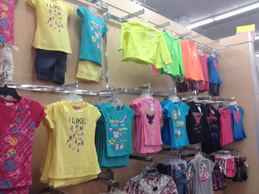 Clothing stores. Fallas clothing store
