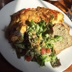 High Cafe - Galway, Irlande. Amazing omelette - with guarantee that you won't be hungry after