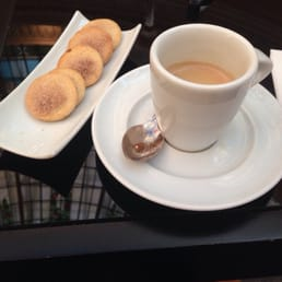 These cookies they give u w the coffee melt in your mouth! This was one of my fav places in Madrid!