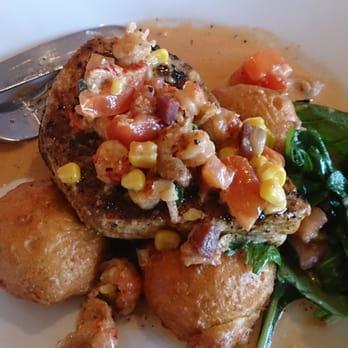 Stinky s fish camp 211 photos seafood santa rosa for Stinkys fish camp menu