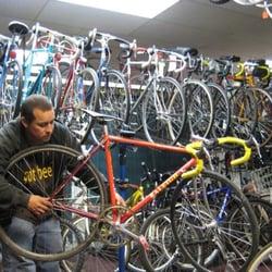 """Ye Olde Bicycle Shoppe - Matt: """"look at my guitar"""" - San Diego, CA, Vereinigte Staaten"""