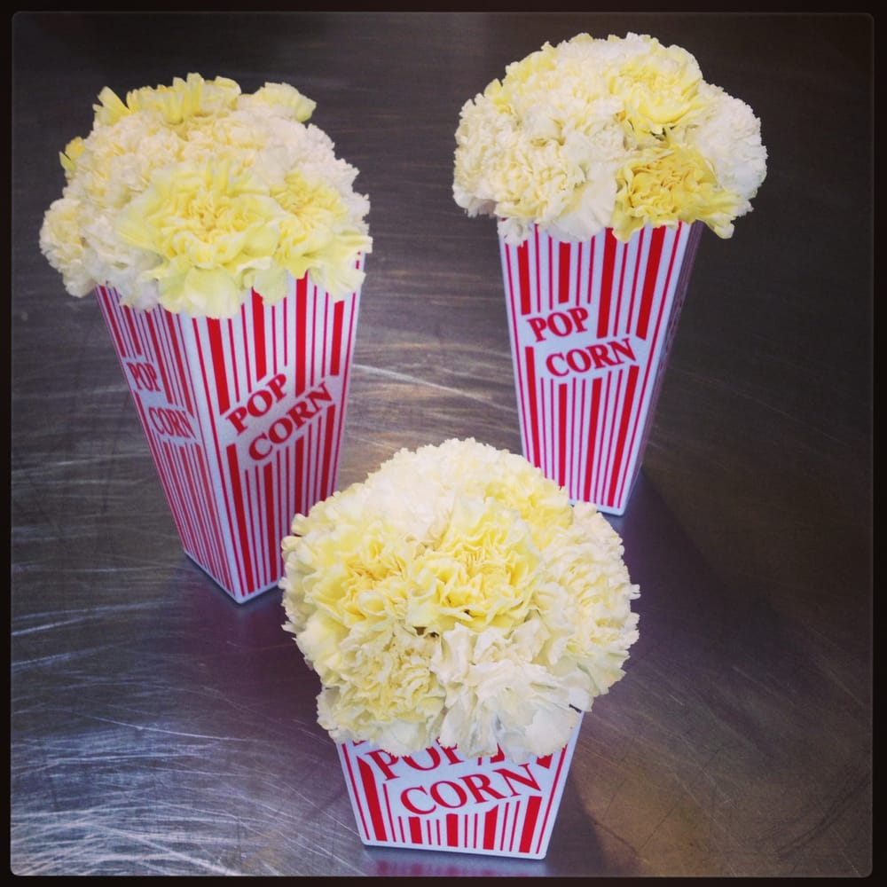 how to make movie themed centerpieces