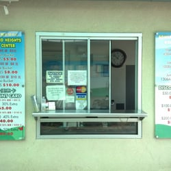 Rowland Heights Golf Center - Range card purchases made here with prices posted on both sides. - Rowland Heights, CA, Vereinigte Staaten