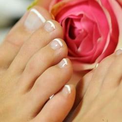 French Pedicure verleiht Ihren Füßen ein…