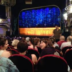 Théâtre Mogador - Paris, France. Juste avant la Belle et la Bête.