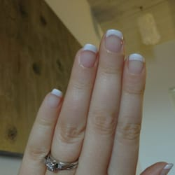 Canty & Marquez Salon & Day Spa - Shillac, French tips. - Pacific Grove, CA, Vereinigte Staaten