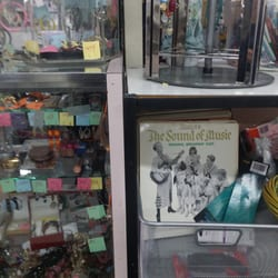 Second hand clothing stores chicago