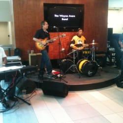 Nashville International Airport - The Wayne Avers Band - Nashville, TN, Vereinigte Staaten