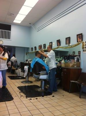 Barber Kailua : Mikes Barber Shop - Kailua, HI, United States