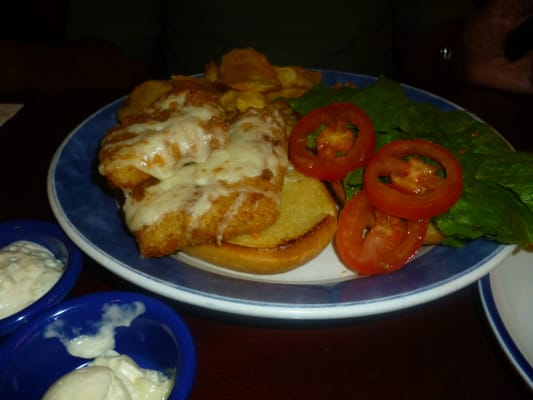Crunch fried fish sandwich with homemade potato chips yelp for Red lobster fish and chips