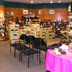 Simon Shoe Store Brookline