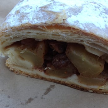 Beigel Bake - Apple Strudel - London, United Kingdom
