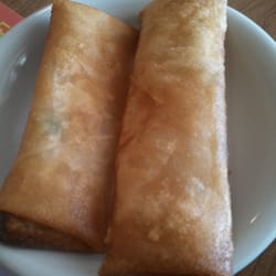 Golden Crown Chinese Restaurant - Spring roll. Different than other places but tasty. - Amherst, OH, Vereinigte Staaten