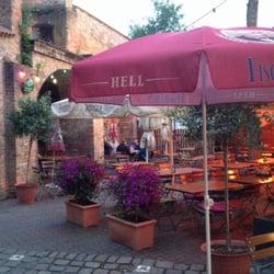 Biergarten an der alten Stadtmauer