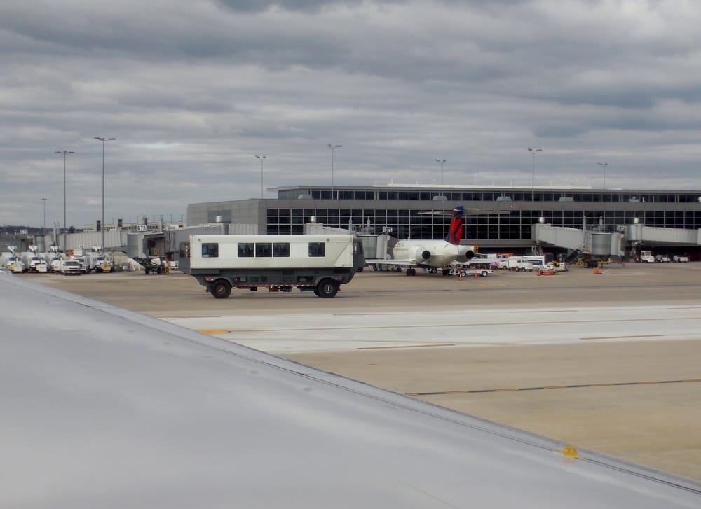 Dulles (VA) United States  City pictures : ... 391 Photos Airports Dulles, VA, United States Reviews Yelp