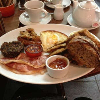 Full breakfast with haggis.
