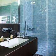 Bad mit Dusche Studio & Komfort…