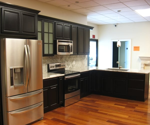 (Black) Chocolate Maple Cabinets With Crystal White