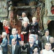 Le statue di via San Gregorio Armeno