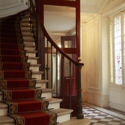 berton associ s employment law avenue montaigne faubourg st honor paris france. Black Bedroom Furniture Sets. Home Design Ideas