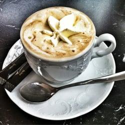 Café Crème nach Wiener Caféhaus Art mit…