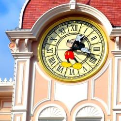 Disneyland Paris - adorable clock