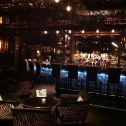 Nice lounge opened until 2am with live…