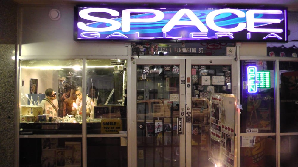 Space Smoke Shop & Galleria - Tucson, AZ, United States