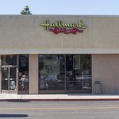 Stephanie's Hallmark Shop - San Luis Obispo, CA, États-Unis. From the parking lot across from See's Candy!
