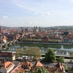 Alte Mainbrücke, Blick von der Festung…