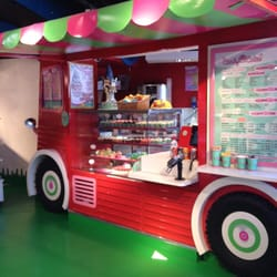 Treat cart on the 5th floor @ Hamleys London.