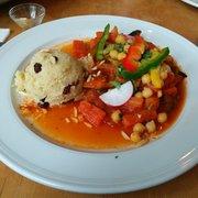 Couscous mit Gemüsestreifen,…