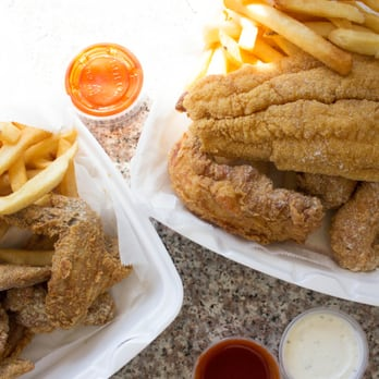 Hiphop fish chicken 27 photos 39 reviews fast food for Hip hop fish and chicken baltimore md