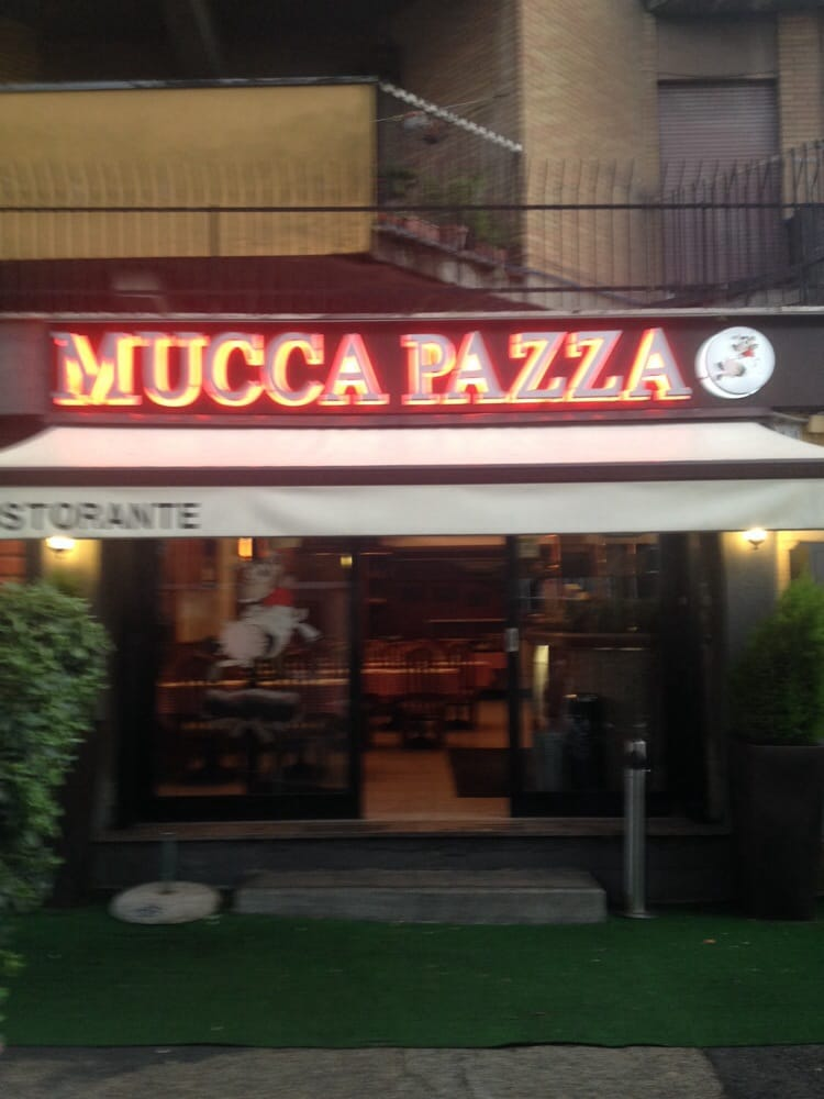 Tappeti Mucca Roma : La mucca pazza restaurant grill appia antica rome
