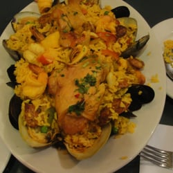 Manny's Restaurant - Paella, rice,clams,mussels,shripm Spanish sausage yuuuuummmmm - Rego Park, NY, Vereinigte Staaten