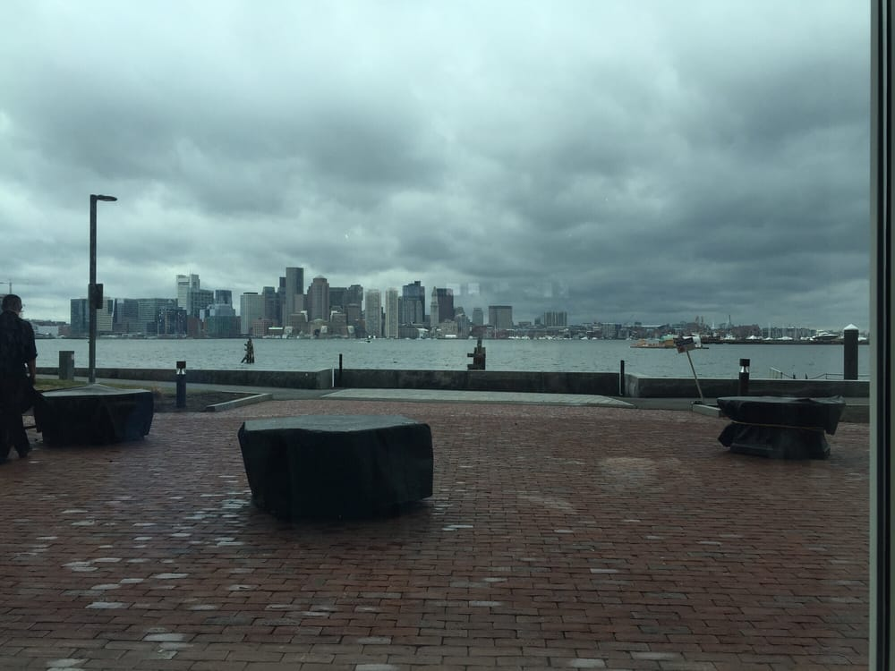 Harborside grill patio 43 photos seafood restaurants for A la mode salon bay ridge