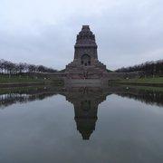 Das Leipziger Völkerschlachtdenkmal bei…