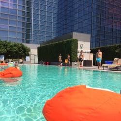 Ion Rooftop Pool Bar - The pool :)) - Los Angeles, CA, Vereinigte Staaten
