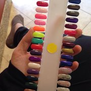 Happy Nails - Chino, CA, États-Unis. I chose the second bold blue/purple glitter color on the right.