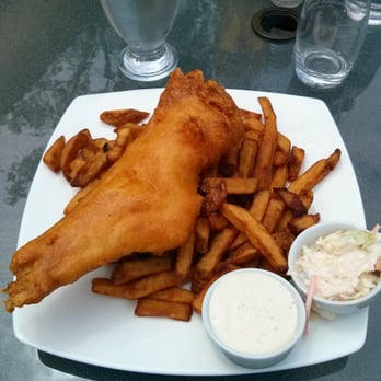 Waterfront river pub and terrace 11 photos canadian for Terrace fish and chips
