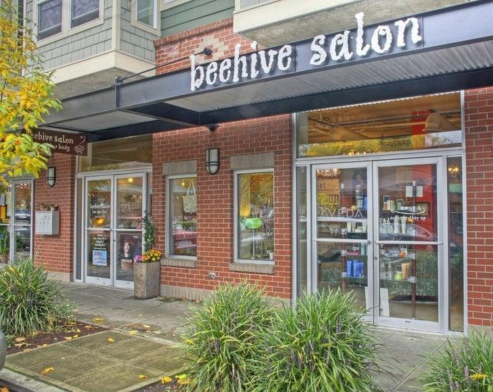 Beehive salon 13 photos hairdressers wallingford for Salon seattle